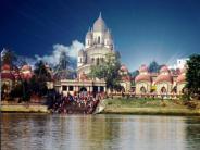 తారాపీఠ్ - తాంత్రిక శక్తులు గల ఆలయం !!