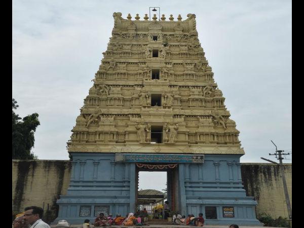 తెలంగాణ - కరీంనగర్ లో గల ప్రముఖ కోటలు మరియు దేవాలయాలు