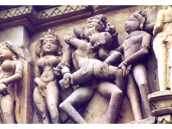 దక్షిణ భారతదేశపు ఖజురహో దేవాలయం