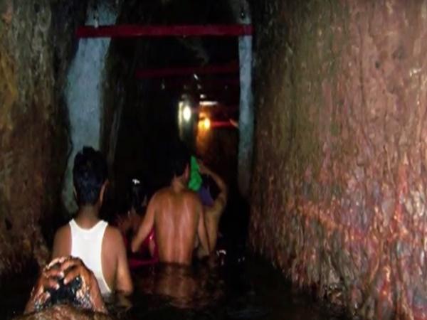 600 మీటర్ల లోపలికి నీటిగుండా ప్రయాణం చేసే గుడి - బీదర్ లోని ఝర్ణీ నరసింహక్షేత్రం