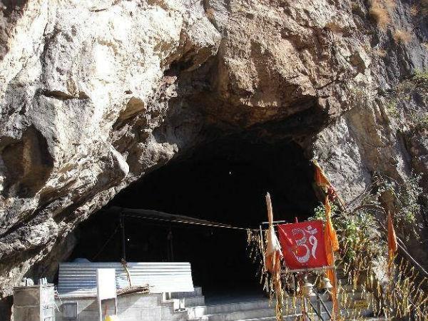 శివ ఖొరి - మిస్టరీ గుహాలయం !