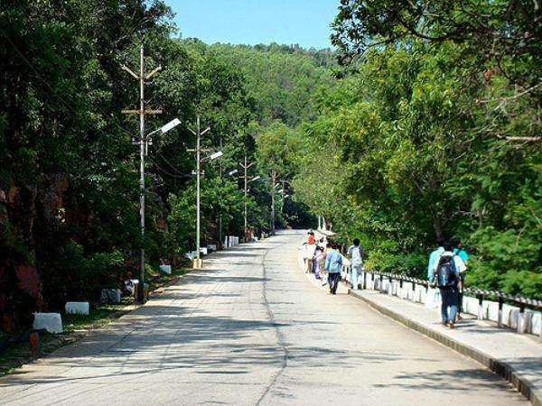 Image result for మూడవ దారి మామండూరు