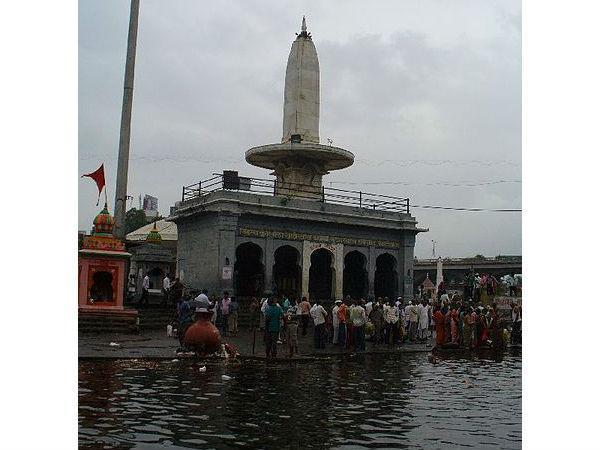 త్రయంబకేశ్వర్ ఆలయం
