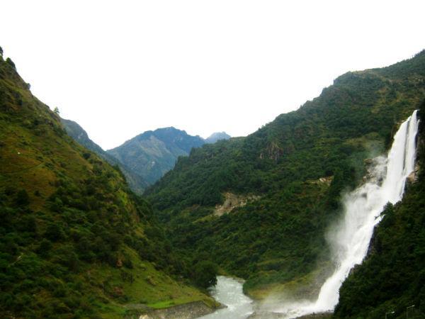 భారతదేశంలోనే అతి సుందరమైన వాటర్ ఫాల్స్..బాంగ్ బాంగ్ ఫాల్స్