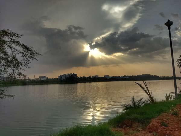 Visit The Two-hundred-year-old Jakkur Lake In Bangalore.