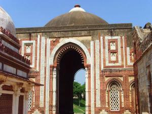 Must Visit Amazing Mughal Monuments Delhi