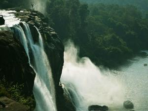 Places To Visit Near Athirappilly Waterfalls