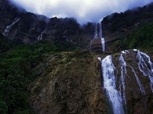 Best Tourist Places Visit Near Cherrapunji