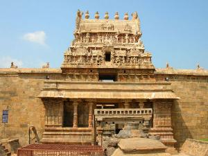 Travel Guide Airavatesvara Temple Darasuram