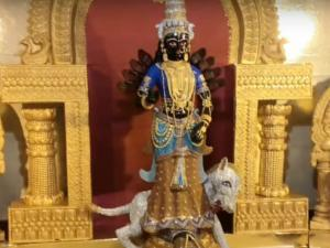 India S Most Expensive Durga Idol Steals The Show At Rs 4 Cr