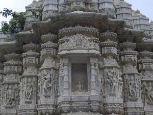 Achaleshwar Mahadev Mandir Where Shiva Toe Will Worshiped