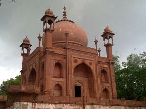 Red Taj Mahal History Timings How Reach