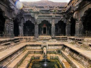 Krishnabai Temple Mahabaleshwar History Attractions How Reach