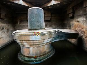 Biggest Hampi Badava Shivlinga Karnataka
