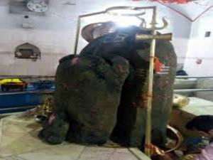 Kathgarh Shiva Temple Where Shiva Lingam Two Parts
