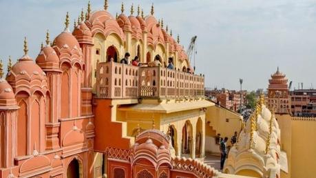 కిషన్ఘర్ -చలువ రాతి నగరం చూడటానికి రెండు కళ్ళు సరిపోవు