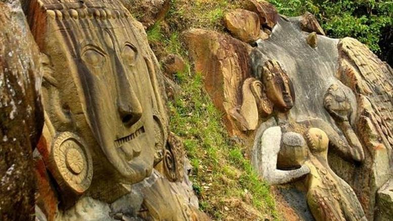 కోటి శిల్పాలు తమ హావభావాలతో కనువిందు చేస్తూ పలకరిస్తున్నట్లుగా కనిపించే కైలాషహర్