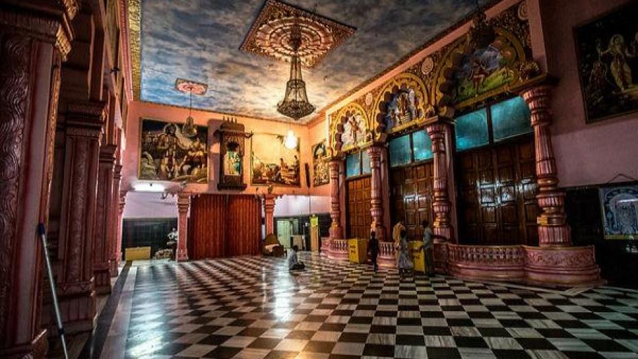 హైదరాబాద్ ఇస్కాన్ దేవాలయంలో కనిపించే అద్భుత దృశ్యం